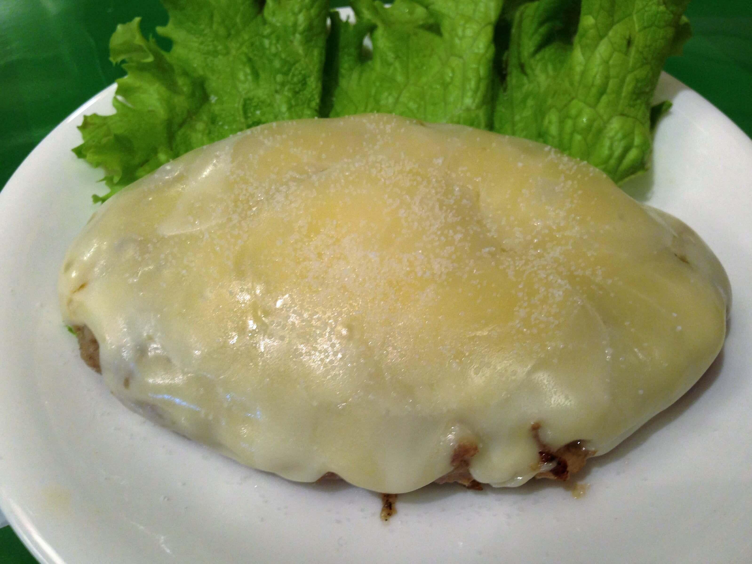 赤城牛チーズハンバーグ